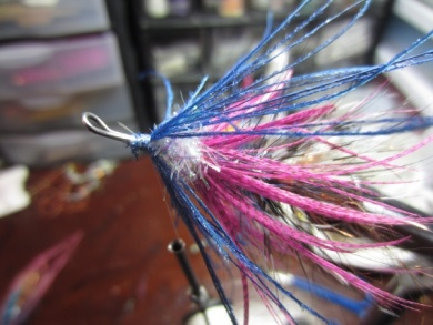 Fly tying - Blue & Pink - Step 15