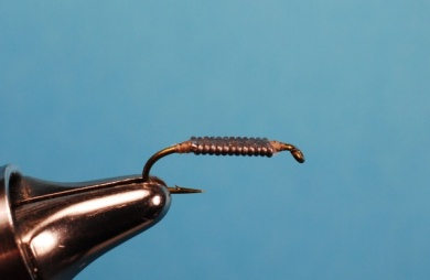 Fly tying - Whitlock's Sowbug - Step 2