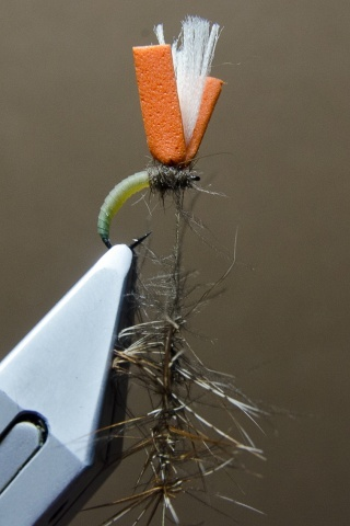 Fly tying - N.A.KH. (Not Another Klinkhamer). - Step 9