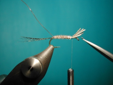 Fly tying - Paraloop without loop - Step 4