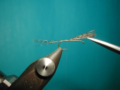 Fly tying - Paraloop without loop - Step 1