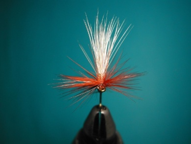 Fly tying - Parachute with rooster fiber wings - Step 13