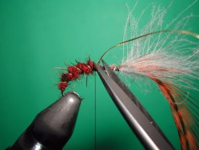 Fly tying - Parachute loop wings - Step 9