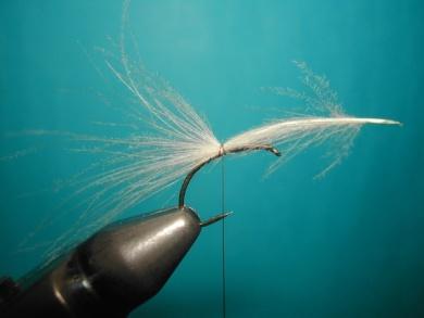 Fly tying - Caddis emerger CDC body. - Step 3