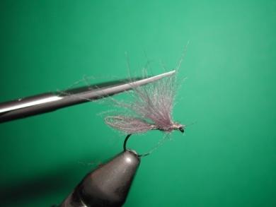 Fly tying - Speedy midge - Step 8