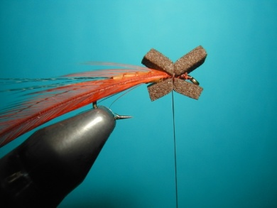 Fly tying - Thorax with X of foam. - Step 3