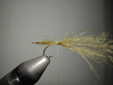 Fly tying - Mirage 2 - Step 2