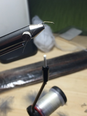 Fly tying - Ghost Loopwing Emerger ( PMD/Sulpher ) - Step 1