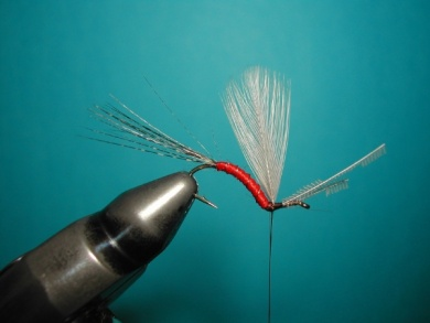 Fly tying - Hook bent fly - Step 10