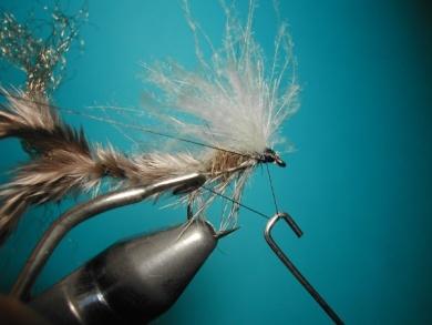 Fly tying - CDC still born - Step 13